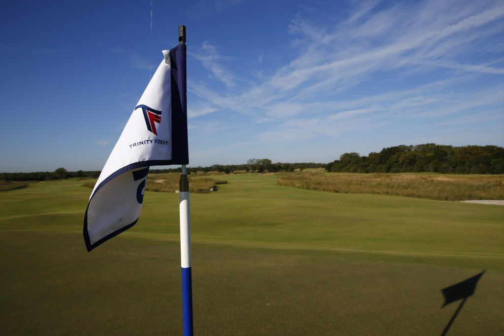 A flag stick Trinity Forest Golf Club in Dallas on Oct. 19, 2017. (Nathan Hunsinger/The Dallas Morning News)