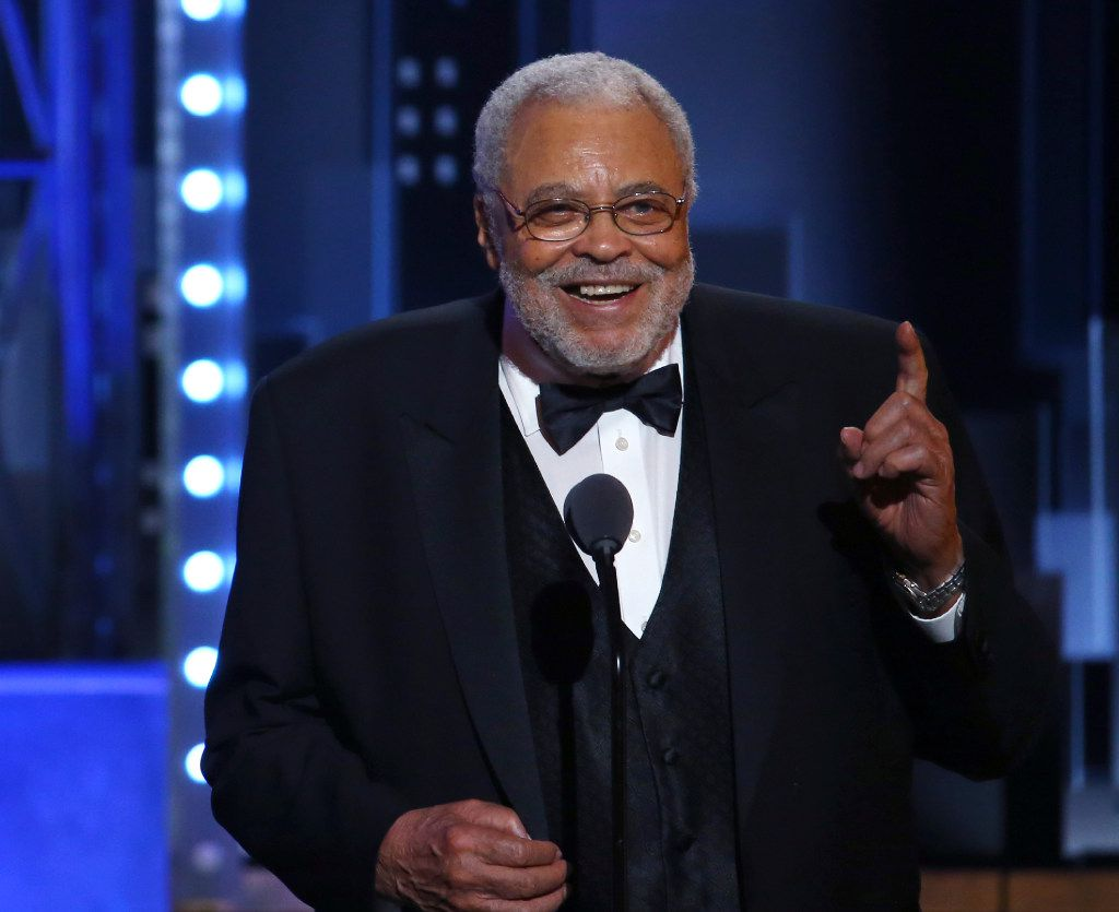 James Earl Jones accepts the special Tony award for Lifetime Achievement in the Theatre at the 71st annual Tony Awards on Sunday, June 11, 2017, in New York. (Photo by Michael Zorn/Invision/AP)
