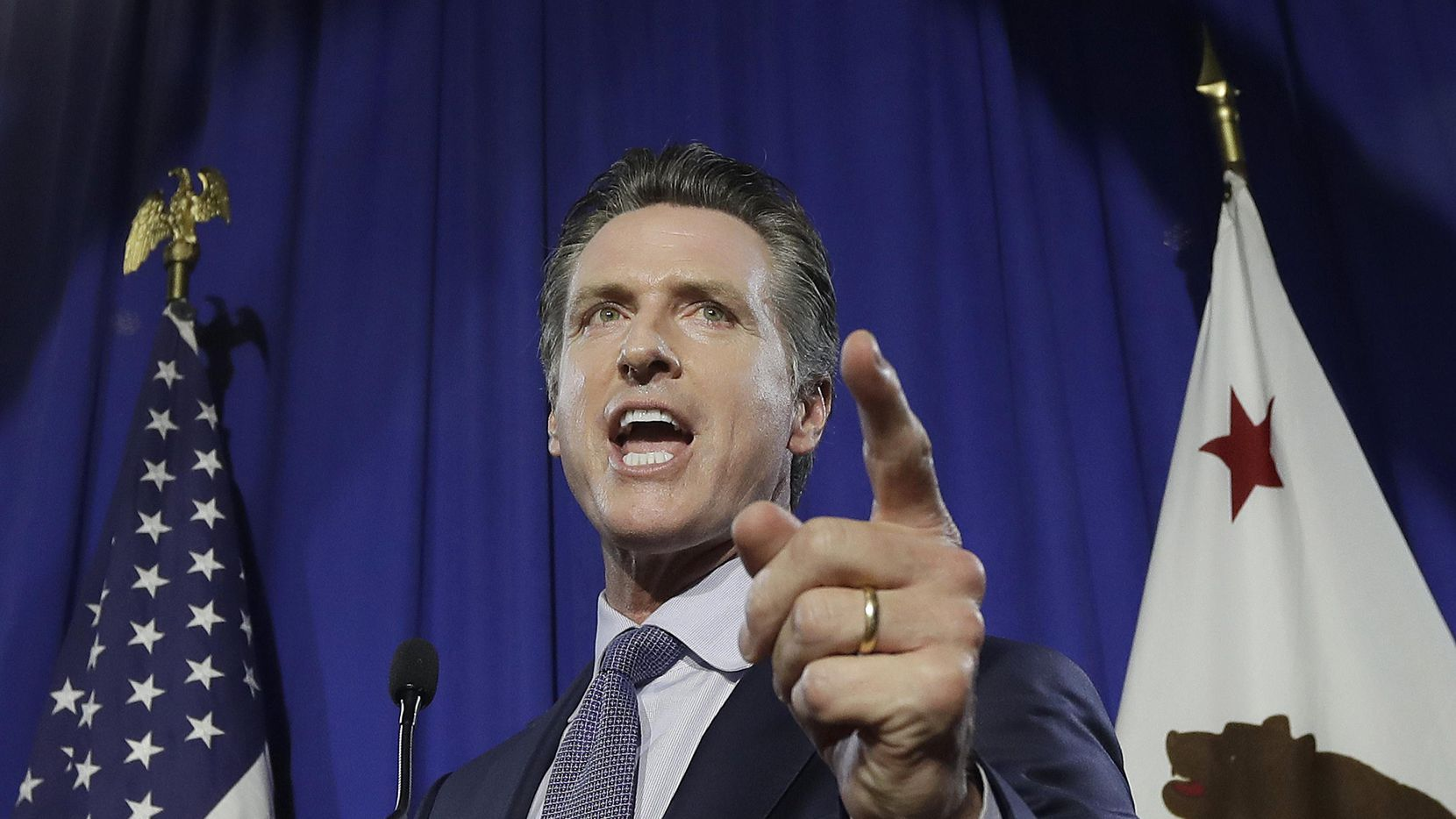 El vicegobernador Gavin Newsom derrotó a Antonio Villarraigosa en la primaria demócrata.(AP)