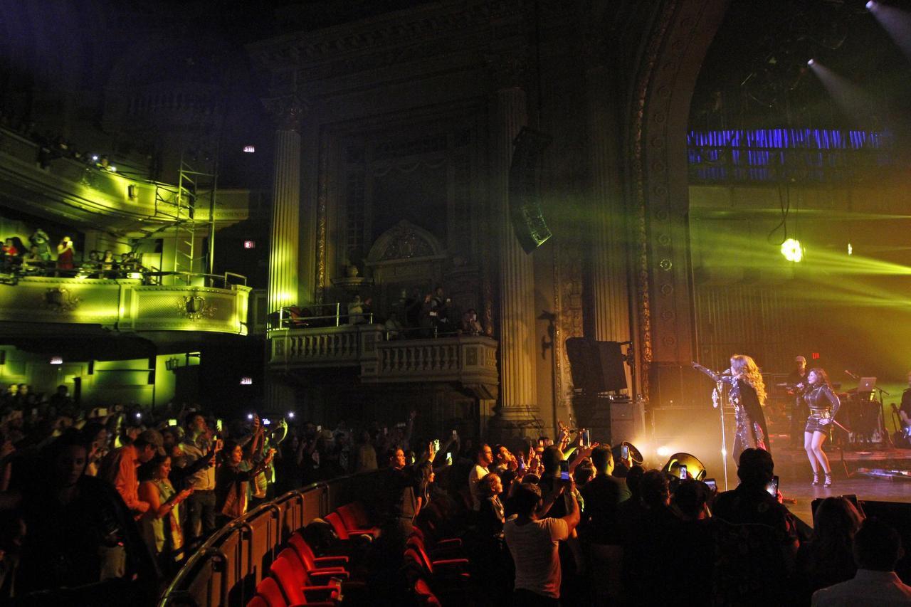 Thalía se presentó en octubre pasado en el Majestic Theatre, un escenario que ha sido ideal para espectáculos dirigidos a hispanos. (ESPECIAL PARA AL DÍA/BEN TORRES)
