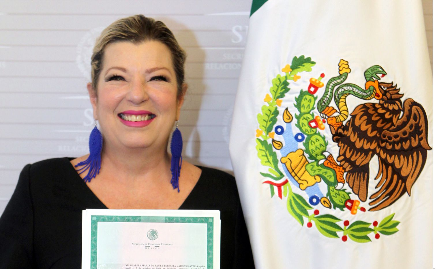 La cantante recibió su carta de naturalización. / AGENCIA REFORMA