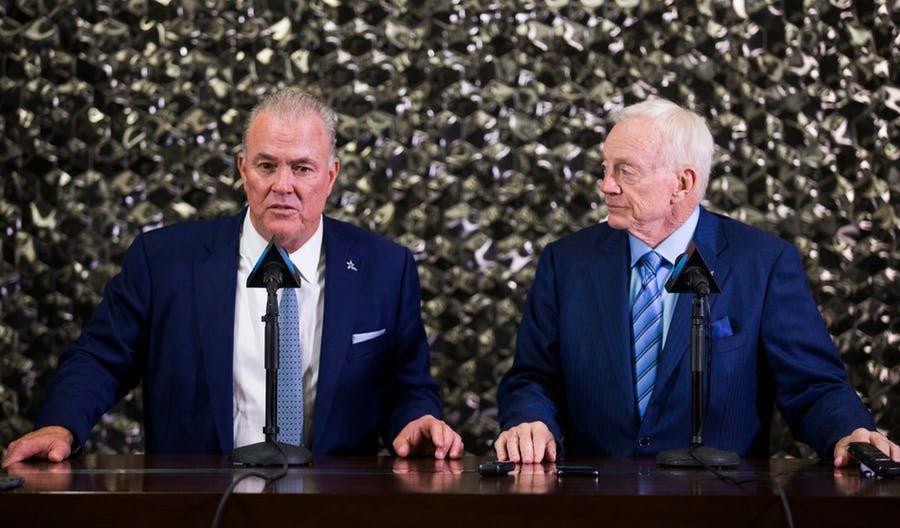 Stephen Jones junto a su padre Jerry Jones, dueño de los Dallas Cowboys. Foto DMN