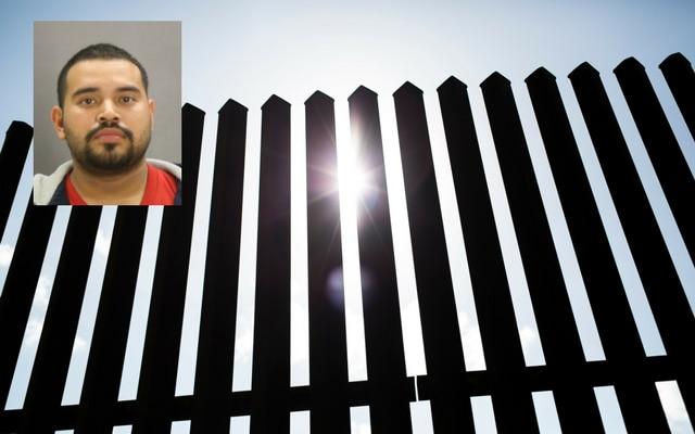 Jesse Mendoza tenía una orden de captura emitida en Dallas por un casa de indecencia con un menor.