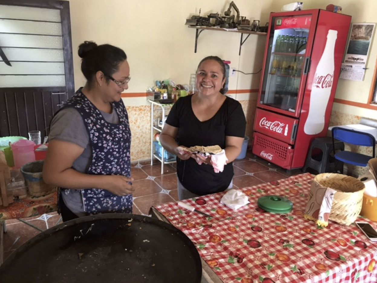 Sisters Yanet and Margarita make quesadillas popular with rising number of clients, many of them employees of Toyota in Guanajuato.