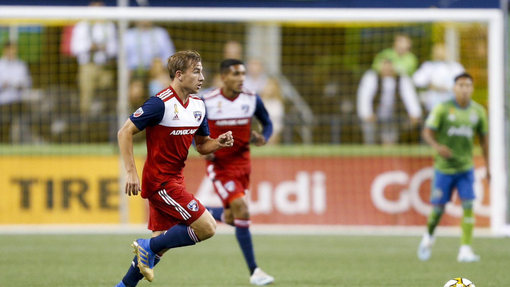Paxton Pomykal dribbles against the Seattle Sounders. (9-18-19)