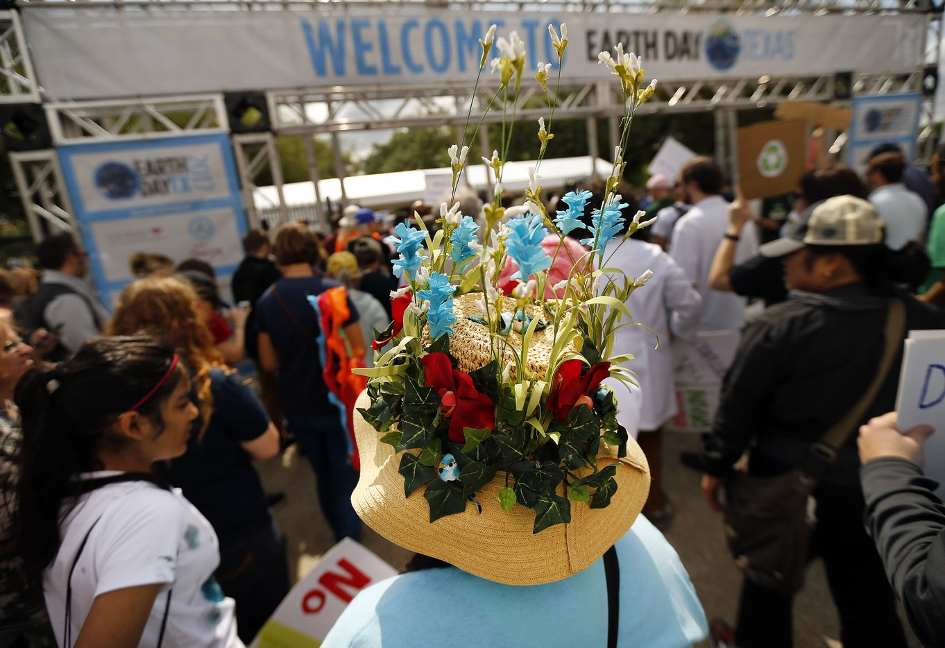 Cynthia Schmidt of Euless made a floral hat for the March For Science rally and march that ended at Fair Park's Earth Day celebration, Saturday, April 22, 2017. (Tom Fox/The Dallas Morning News)