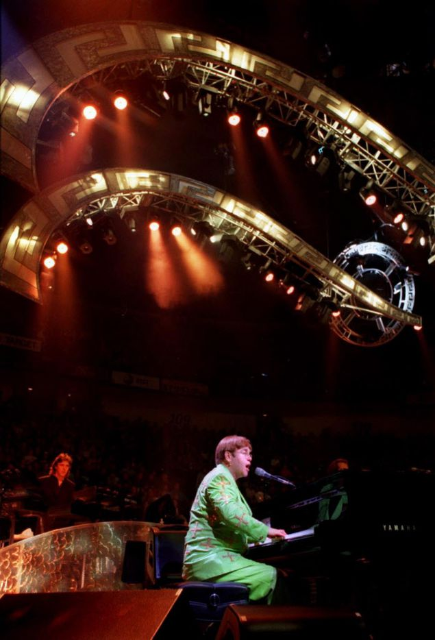 January 28, 1998: Elton John performs on stage at Reunion Arena in Dallas.