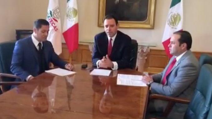 El gobernador del estado de Zacatecas Alejandro Tello con funcionarios de su estado presentaron la convocatoria del Programa Especial de Migración 2017-2021. (FOTO DE PANTALLA/FACEBOOK)