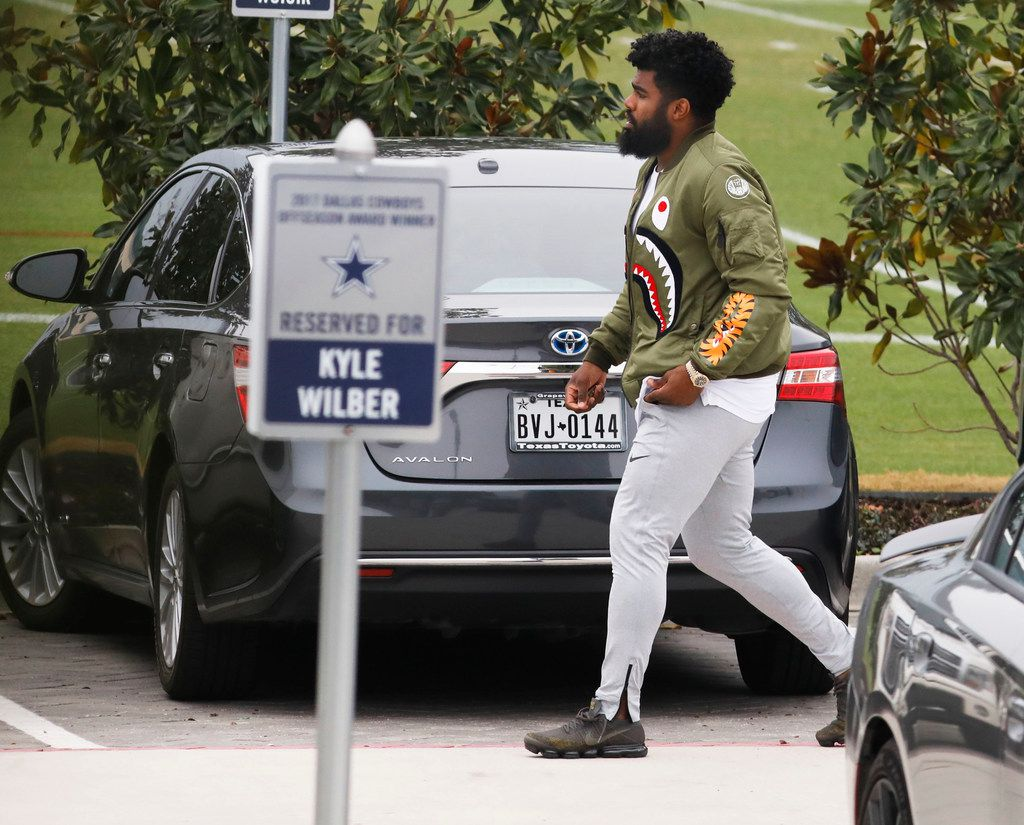 Dallas Cowboys running back Ezekiel Elliott arriving at the Star in Frisco for the first time since his suspension six weeks ago on Monday, December 18, 2017. (David Woo/The Dallas Morning News)