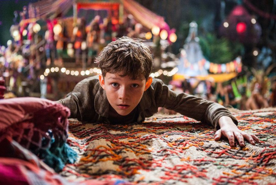 "Levi Miller interpreta al joven Peter en ""Pan"". (TNS/WARNER BROS.)"