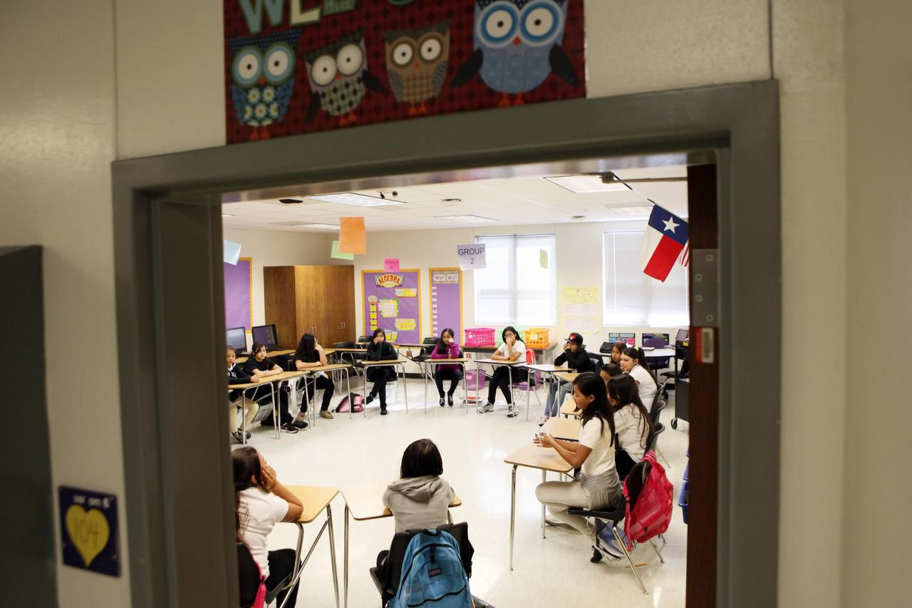 Students at Medrano Middle School in Dallas take part in restorative discipline, a process for classmates to decide punishment for misbehavior. (Ben Torres/Special Contributor)