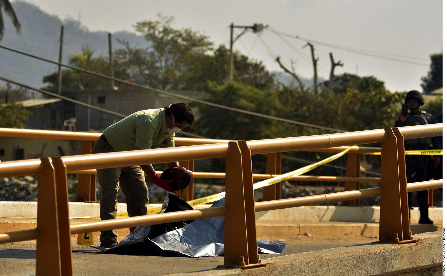 En la colonia La Frontera, en Acapulco, se encontraron cuatro bolsas con los restos de un hombre desmembrado. AGENCIA REFORMA