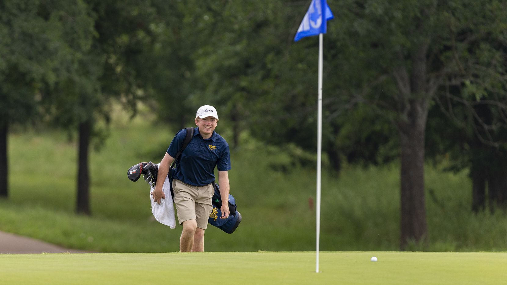 Highland Park's Turner Hosch walks to the 5th green during round 1 of the UIL Class 5A boys golf tournament in Georgetown, Monday, May 20, 2019. (Stephen Spillman/Special Contributor)