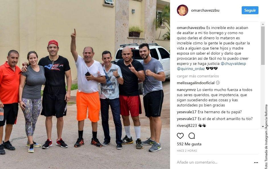 Rafael Chávez González, hermano del boxeador Julio César Chávez (tercero de izq. a der.), fue ejecutado al resistirse a un asalto, reportó su sobrino en Instagram. Foto mediante AGENCIA REFORMA