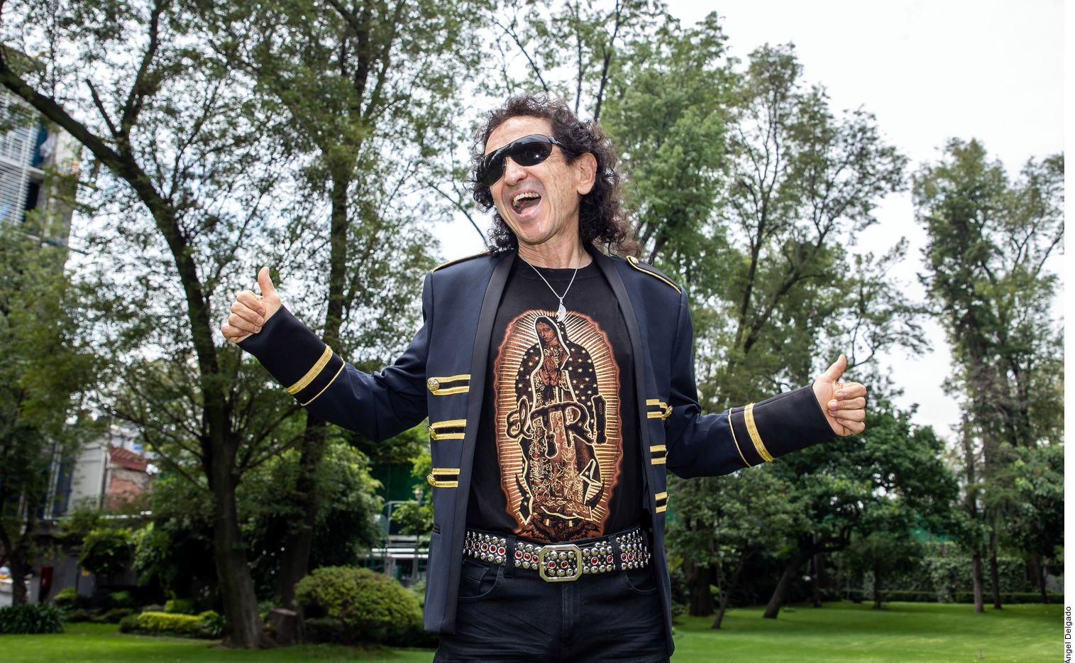 """El rockero Álex Lora creó el tema """"No Soy Inmigrante"""", que dedica a sus compatriotas en el extranjero."""