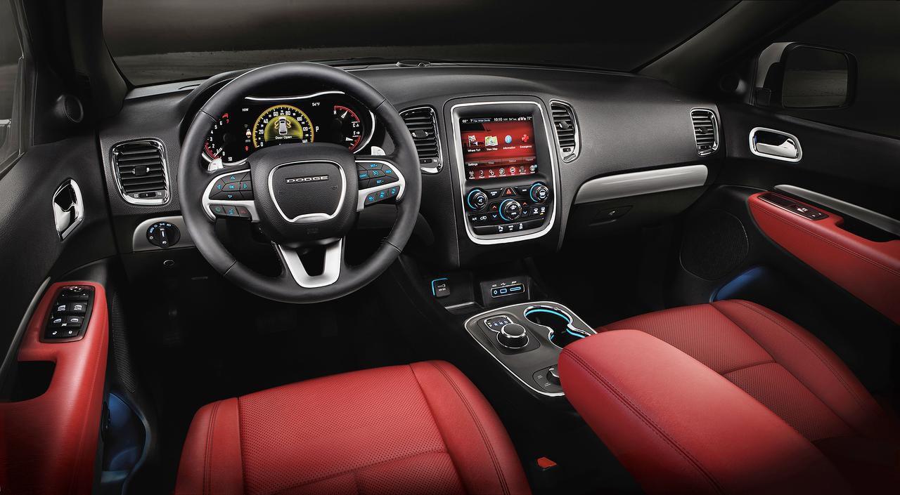 El interior de un modelo de la camioneta Dodge Durango 2016.(CORTESIA CHRYSLER FIAT)