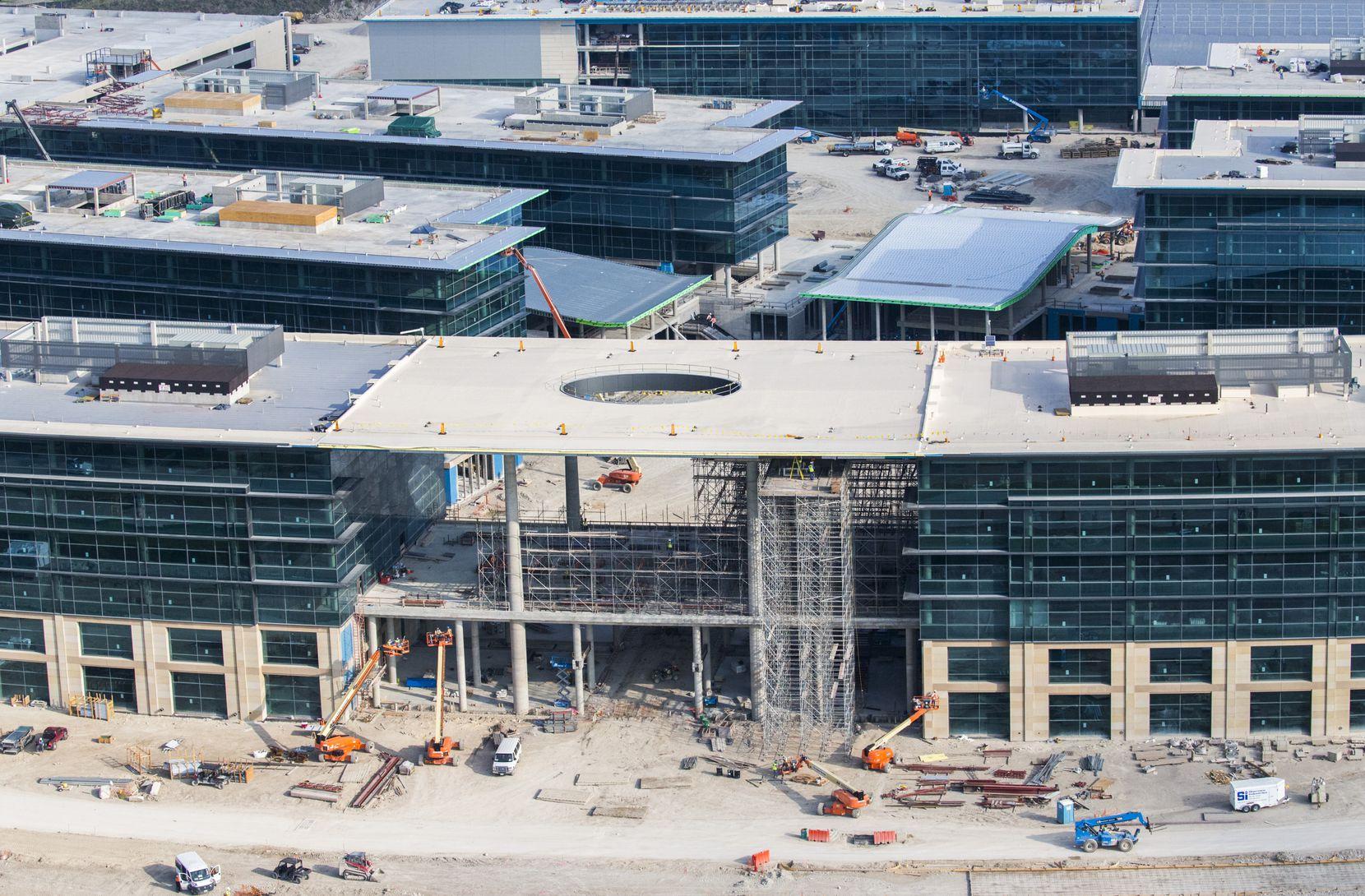 Toyota's new U.S. headquarters under construction in Plano. (Ashley Landis/The Dallas Morning News)