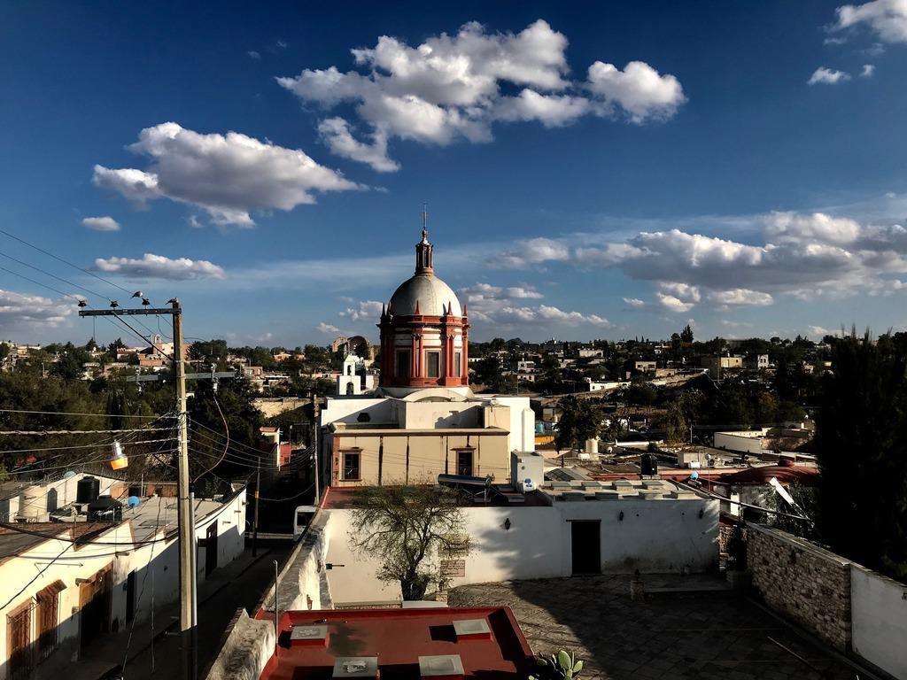 Los mexicanos prefieren quedarse en pueblos como Pozos antes que ir al norte, donde no sienten que se valoran sus contribuciones. ALFREDO CORCHADO/DMN