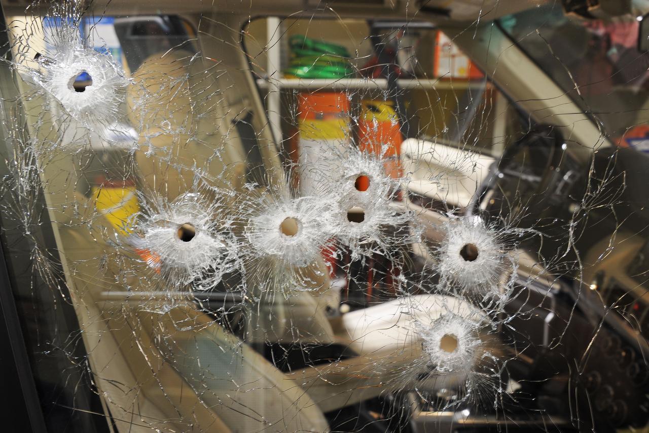 Así quedó la ventana del Range Rover de Juan Jesús Guerrero Chapa, asesinado en Southlake Town Square en el 2013. (DMN/ARCHIVO)