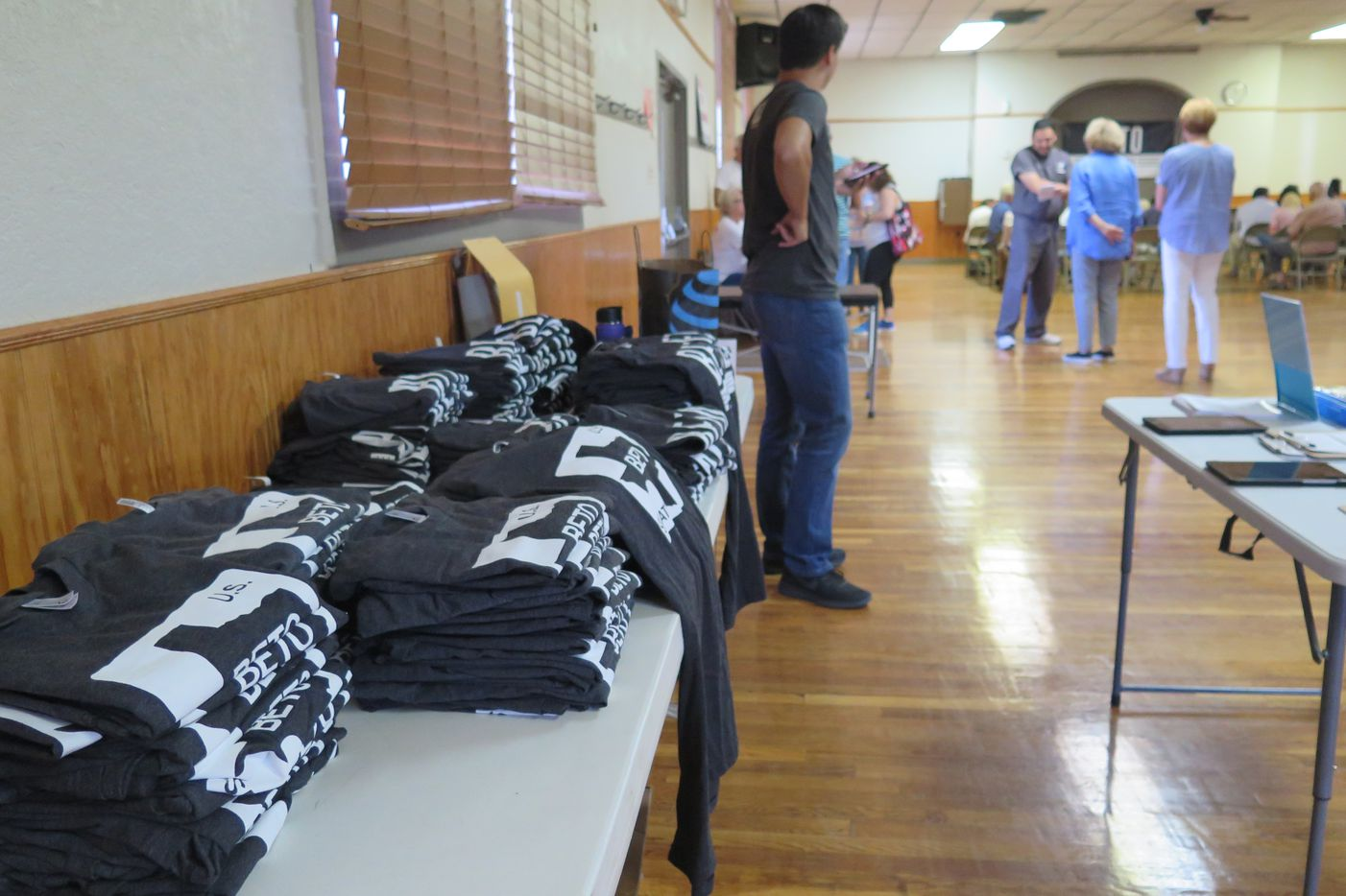 O'Rourke campaign workers brought more T-shirts to sell in Fort Stockton, Texas, at $25 each, than the number of voters who showed up to hear the congressman on July 30, 2018.