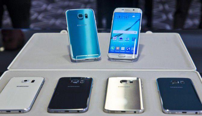 Entre los modelos que salieron a la venta se encuentran el Galaxy S6 y el Galaxy S6Edge. (AP/BEBETO MATTHEWS)