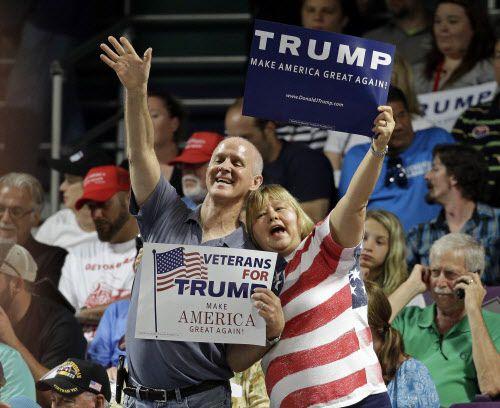 Los simpatizantes de Trump podrán asistir a un acto de campaña en Gilley's este jueves. AP