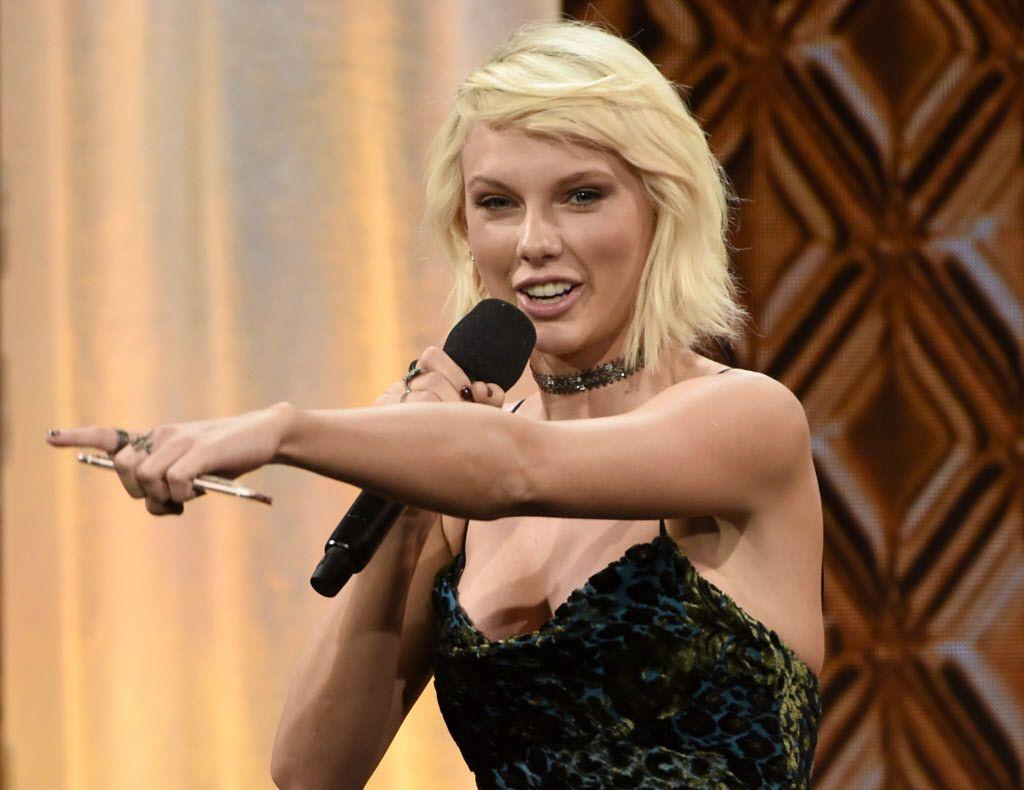 Taylor Swift encabeza lista de celebridades en Forbes/AP