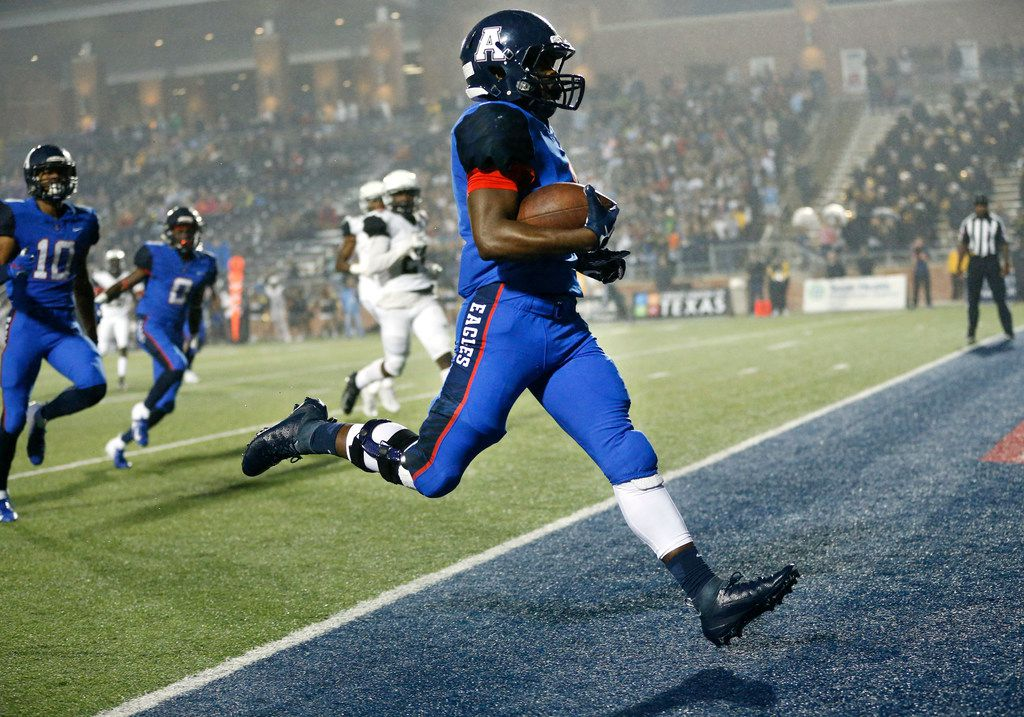 Allen running back Celdon Manning (1) strolls into the end zone for the first touchdown against Plano East at Eagle Stadium in Allen, Texas, Friday, October 12, 2018. (Tom Fox/The Dallas Morning News)