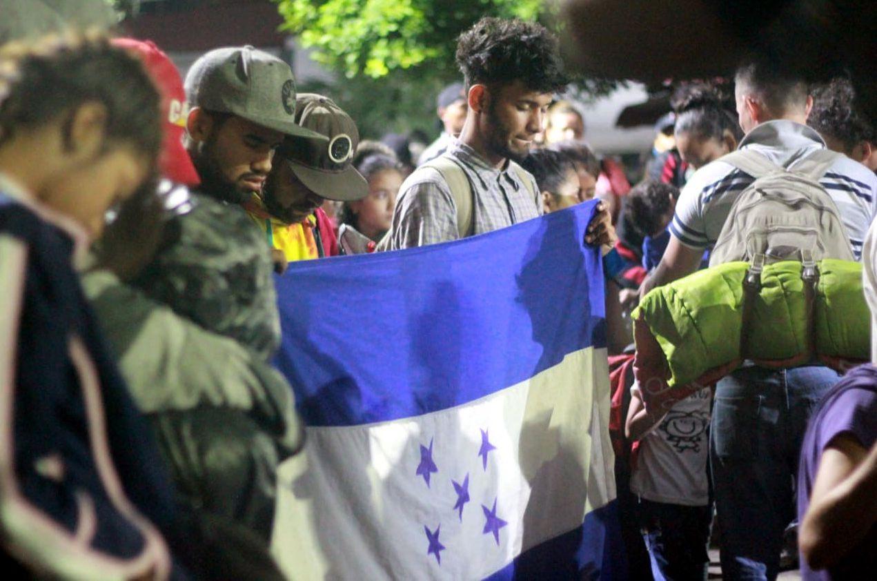 Un grupo de migrantes de Centroamérica ingresó a México por la frontera entre Chiapas y Guatemala. AGENCIA REFORMA.