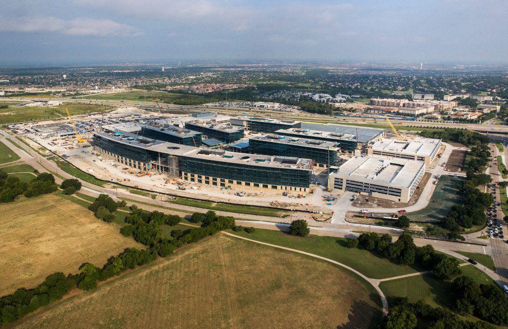Toyota world headquarters under construction in Plano. (Ashley Landis/The Dallas Morning News)