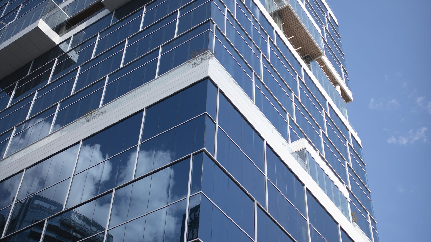 Law firm Reed Smith is moving to the new Harwood No. 10 office tower.