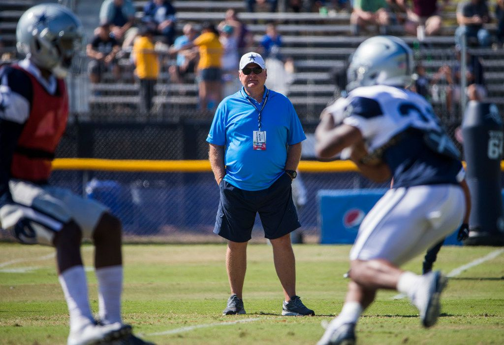Former NFL coach Mike Martz watches an afternoon practice at training camp in Oxnard, California on Tuesday, August 13, 2019. (Ashley Landis/The Dallas Morning News)