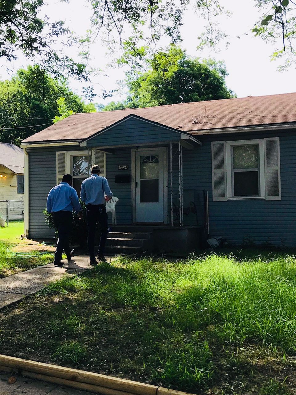 Senate candidate Beto O'Rourke, D-El Paso, knocks on doors in South Dallas with state Rep. Eric Johnson, D-Dallas.