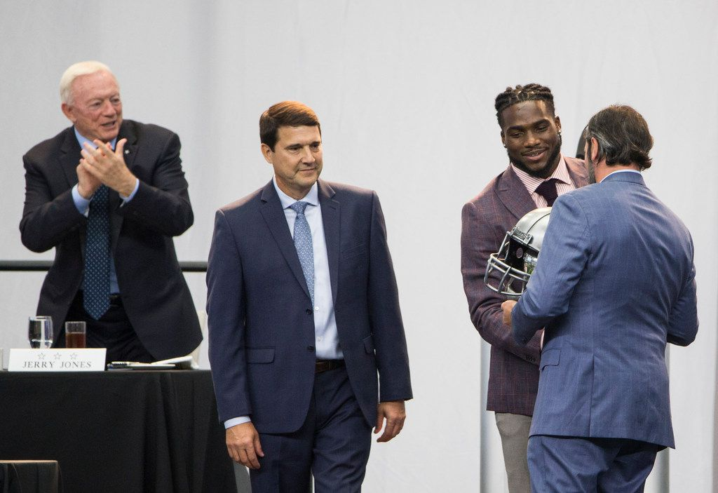 Linebacker Jaylon Smith (second from right) is presented with the Ed Block Courage Award during the Cowboys' annual kickoff luncheon at AT&T Stadium in Arlington on Wednesday, Aug. 29, 2018. (Ryan Michalesko/The Dallas Morning News)