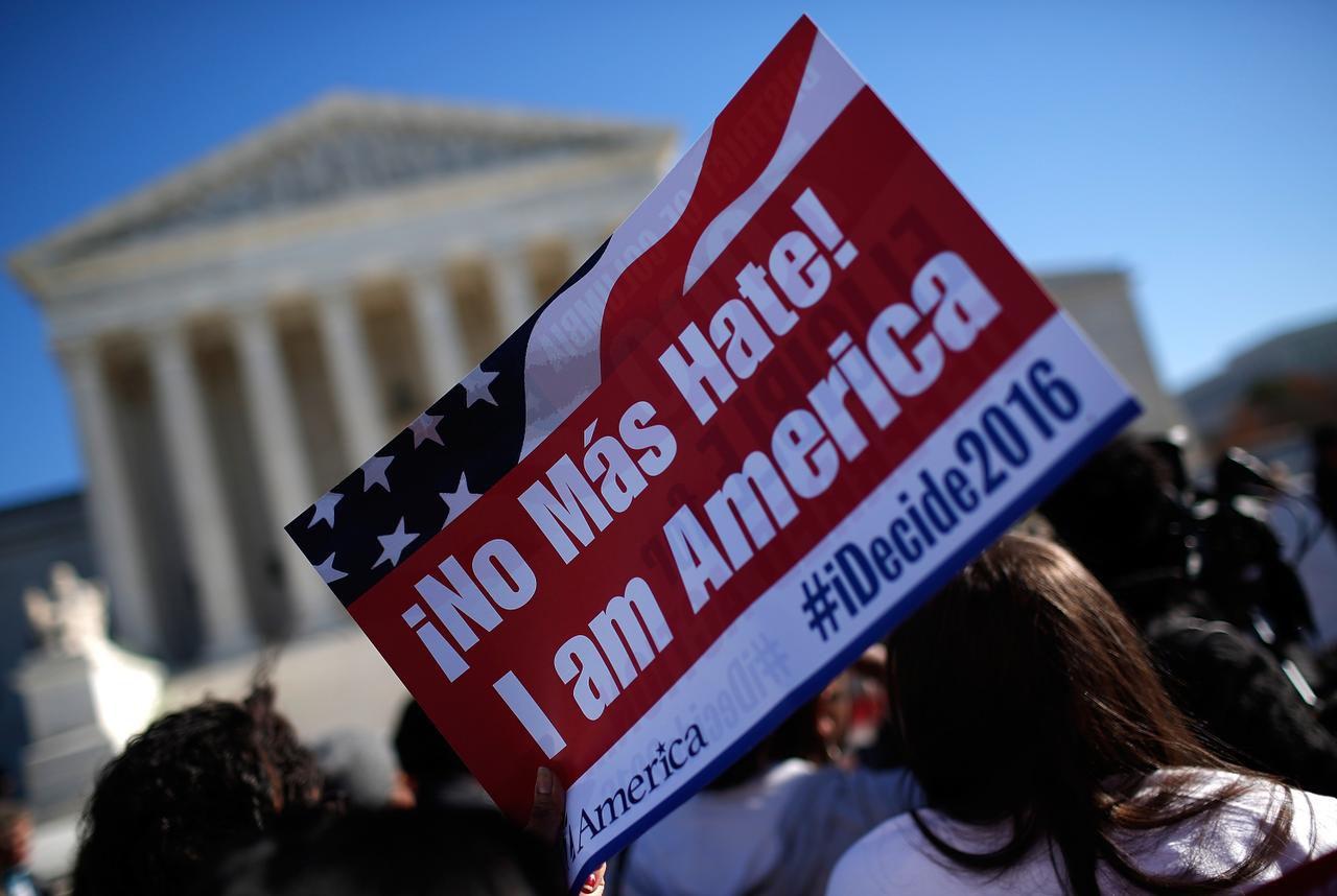 Un grupo de congresistas apoyó la postura del gobierno en la demanda en contra del alivio migratorio, actualmente en la Corte Suprema. (GETTY IMAGES/WIN McNAMEE)