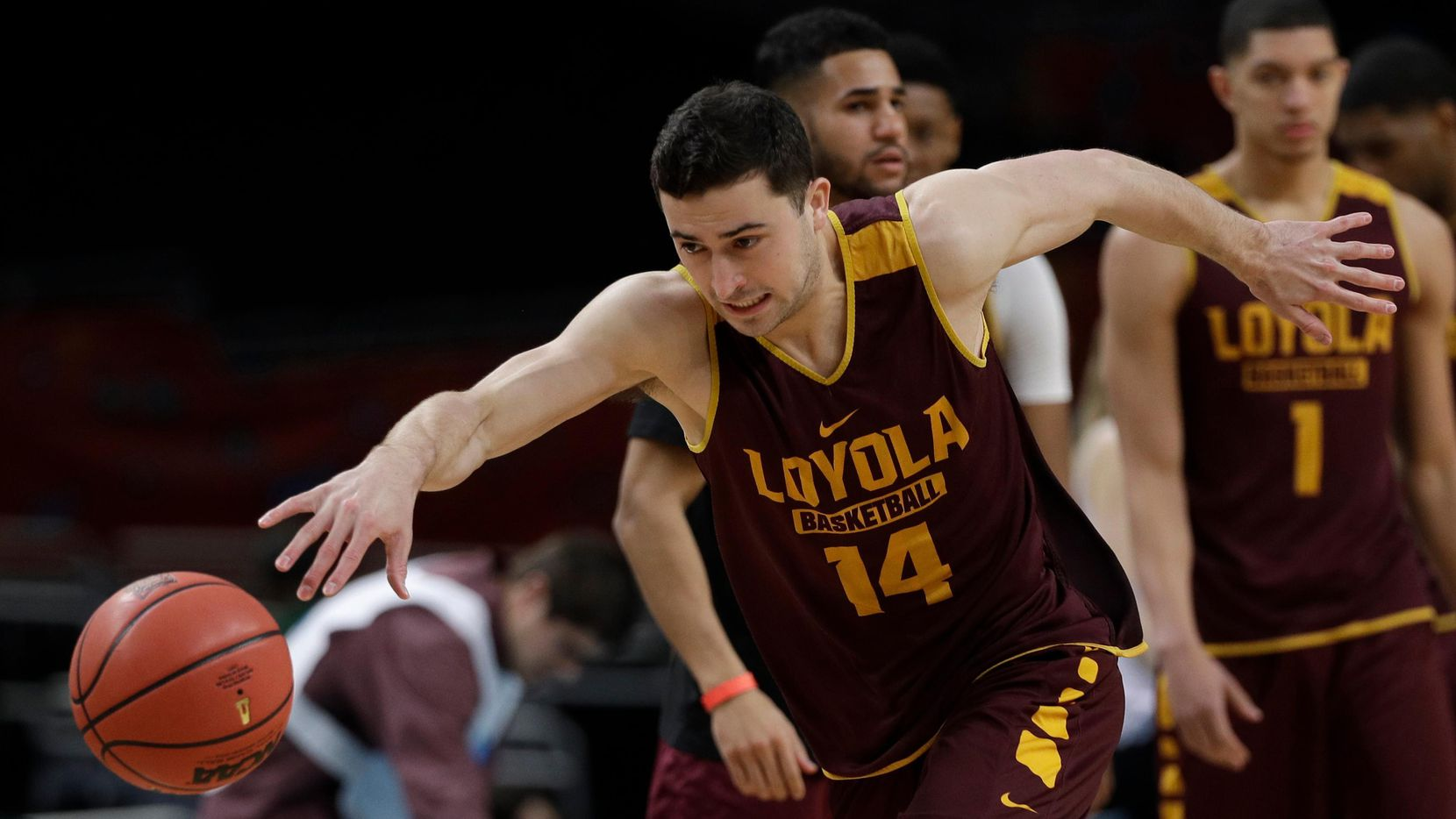 Ben Richardson (14) y Loyola-Chicago se colaron al Final Four de la NCAA. (AP/David J. Phillip)