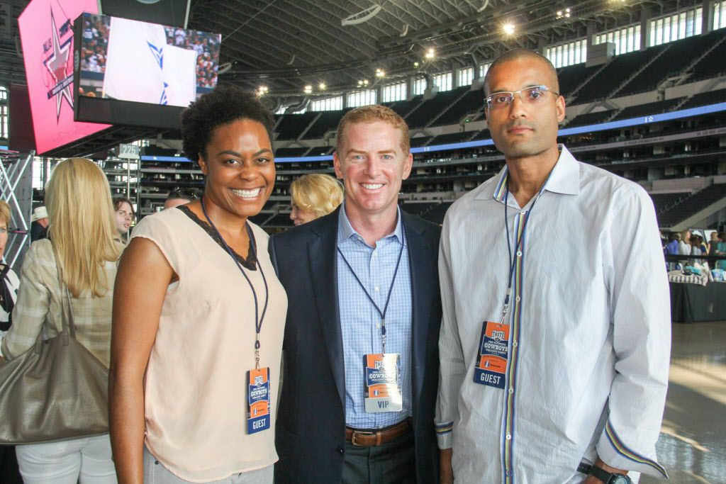 Dallas Cowboys head coach Jason Garrett posed for photos with fans at the Taste of the NFL on Sunday at AT&T Stadium.