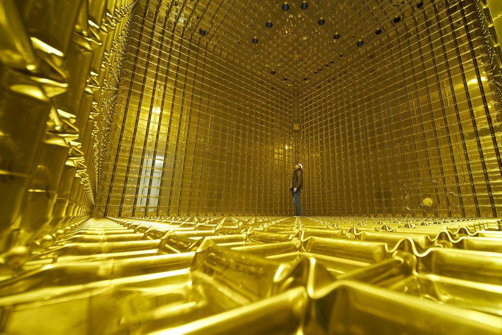 Inside the DUNE prototype neutrino detector