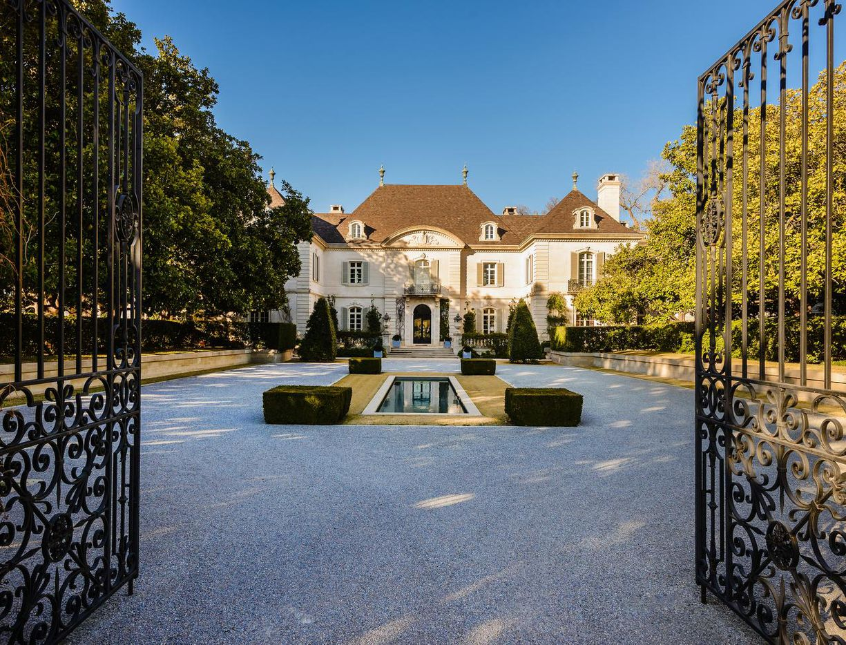 The 25-acre Hicks estate on Walnut Hill Lane in North Dallas was purchased by businessman Andy Beal.