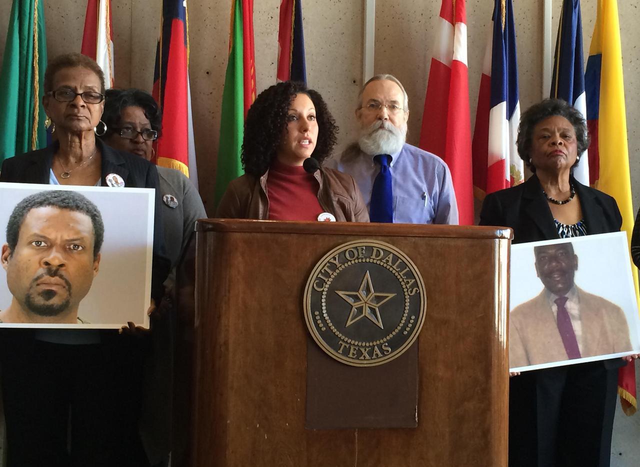 Familias de hombres que murieron a manos de agentes de la policía de Dallas exigieron cambios a las reglas para evitar más brutalidad policiaca. (DMN/NAOMI MARTIN)