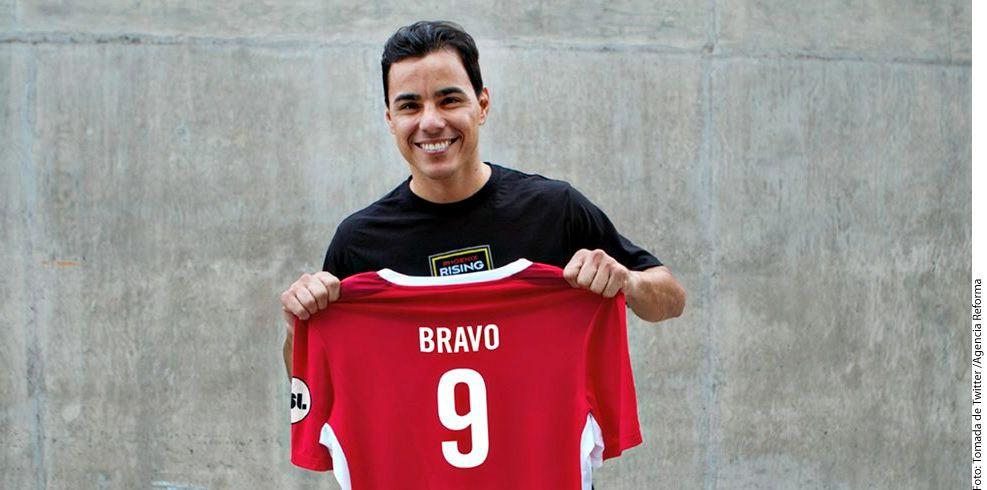 El máximo goleador en la historia de Chivas, Omar Bravo, seguirá su carrera deportiva en otro equipo de Estados Unidos: el Phoenix Rising Football Club. AGENCIA REFORMA