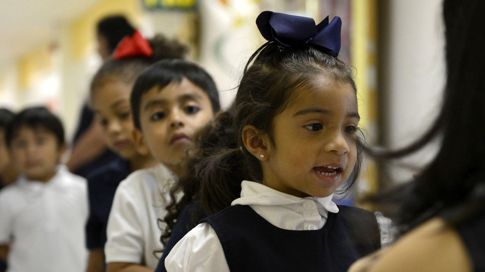 Padres pueden inscribir a sus hijos en los programas de pre kínder durante este verano. ROSE BACA/DMN