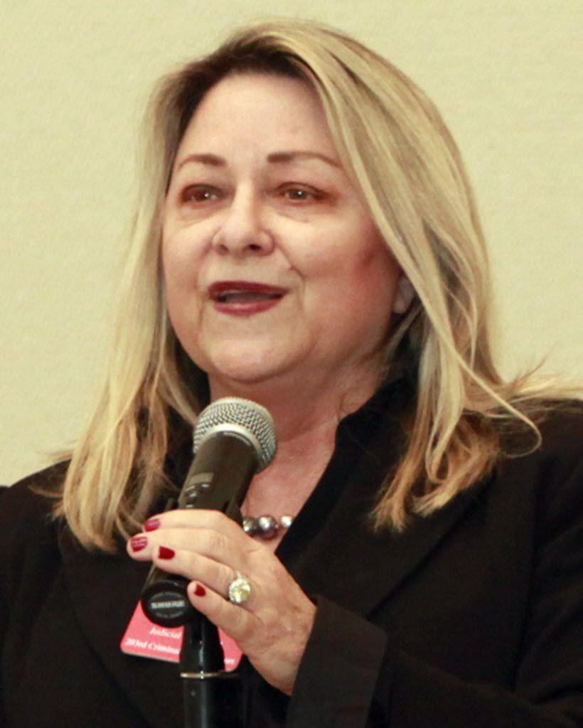 Teresa Hawthorne spoke during a judicial primary forum in 2010.