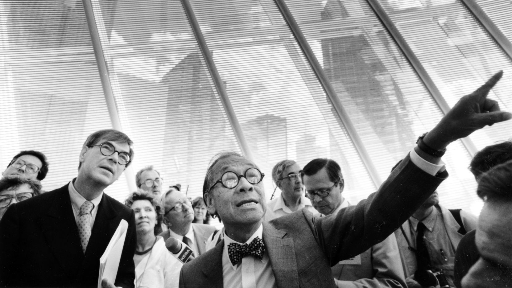 Architect I.M. Pei, who designed the Morton H. Meyerson Symphony Center, calls attention to details as he leads a media tour  of the new hall in September 1989. More than 200 journalists, many of them foreign music and architecture critics, were visiting.