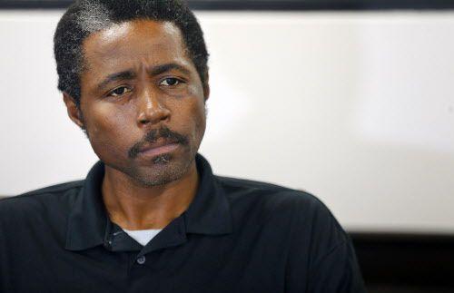 Kennan Jones, el hombre que fue atacado en un tren Dart, habla sobre el ataque. Foto por TOM FOX/DMN