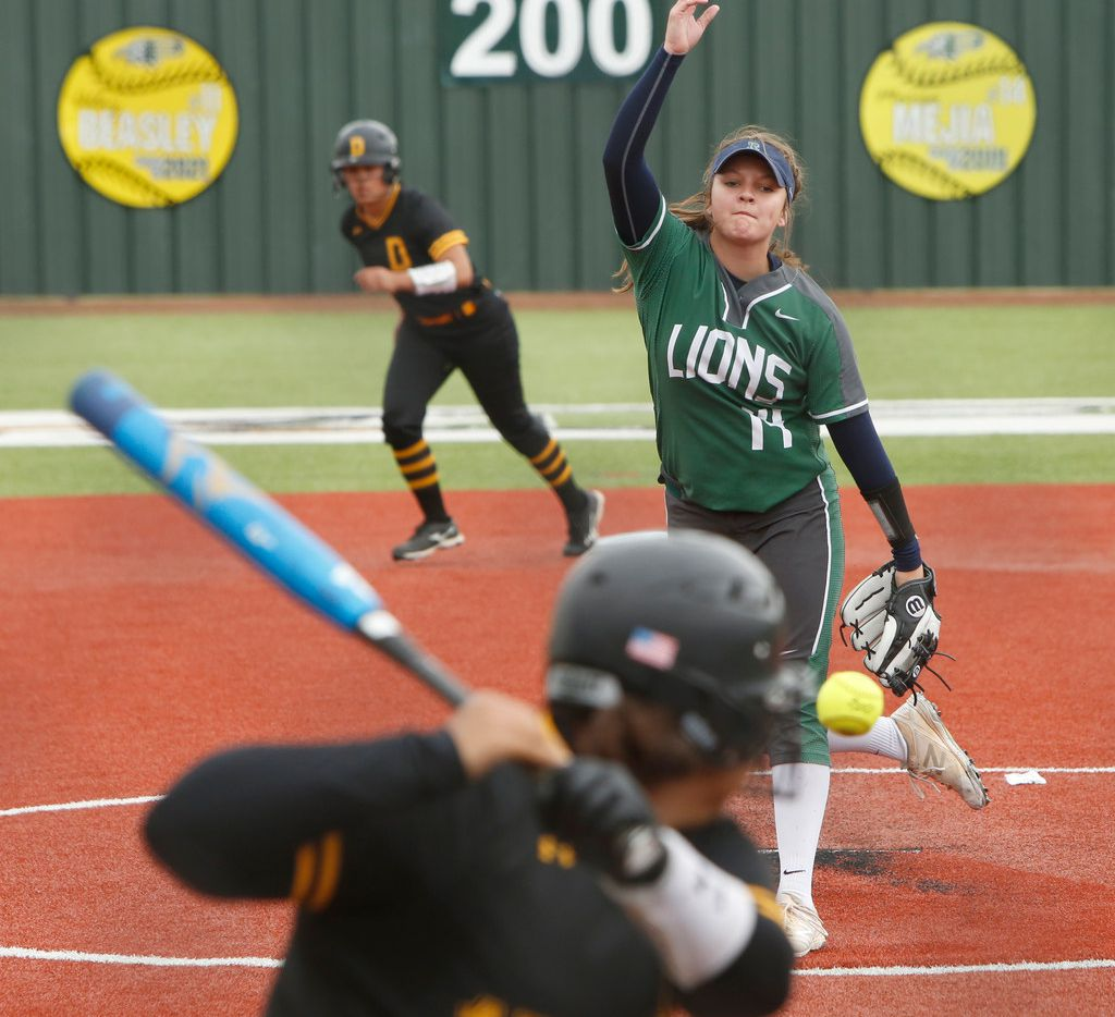 Frisco Reedy's Micaela Wark delivers a pitch against Denison in a Class 5A Region ll quarterfinal series on May 11, 2019.  (Steve Hamm/ Special Contributor)