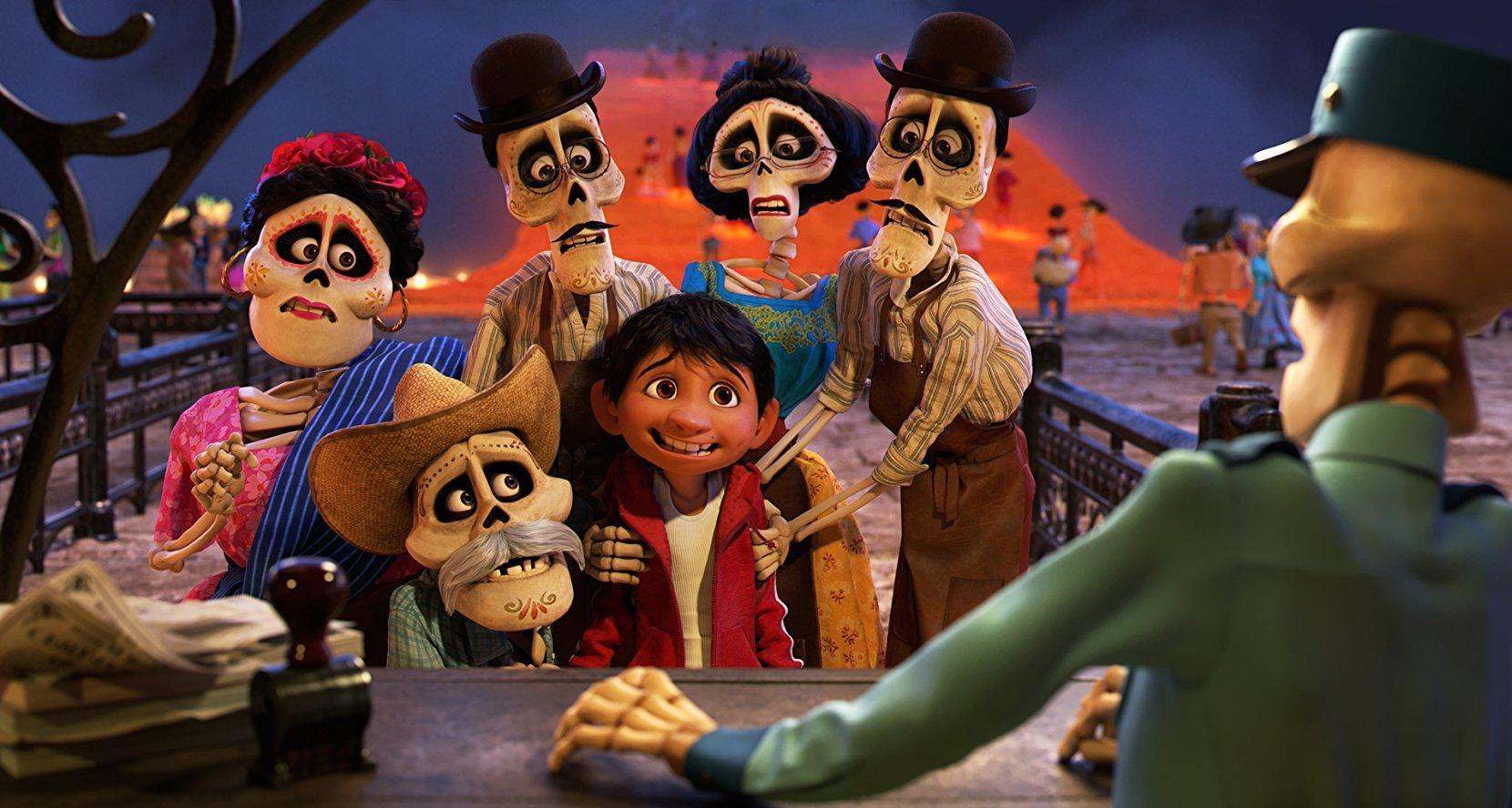 La película Coco de Disney Pixar se puede ver también en español. Foto Pixar.