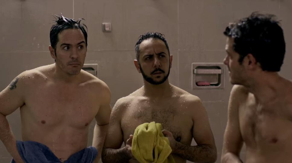 """(De izq. a der.) Mauricio Ochmann, Humberto Busto y Alfonso Dosal en una escena de """"Hazlo como hombre"""".(SOBRAS INTERNATIONAL PICTURES)"""