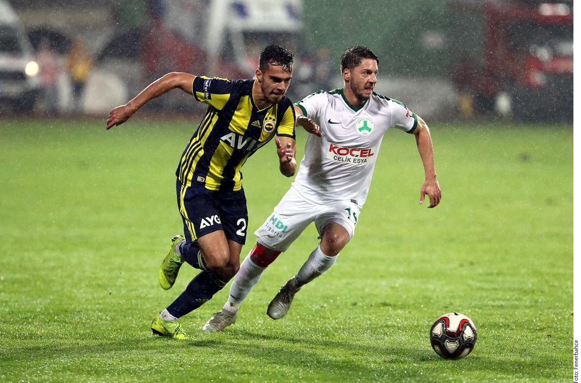 Reyes se sumó al futbol turco tras salir del Porto. Foto Agencia Reforma