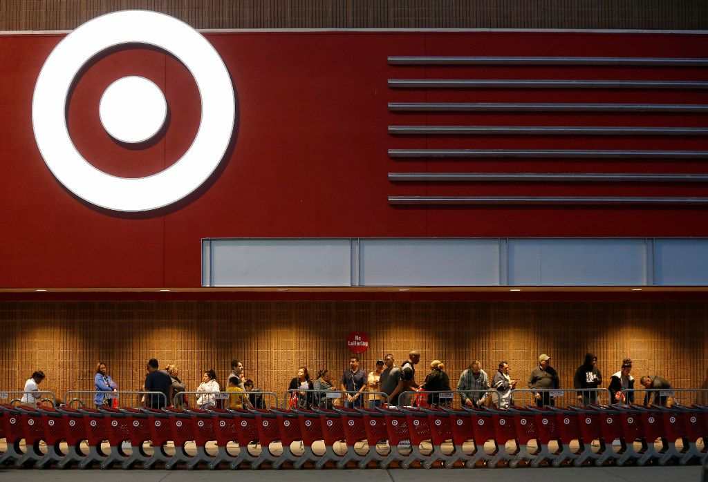 Shoppers stand in line at the Target Cityplace store on Thanksgiving Day in Dallas, Thursday, Nov. 24, 2016. The store opened at 6pm. (Jae S. Lee/The Dallas Morning News)